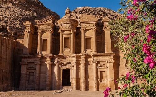 AP_Jordan_2870066b-620x387